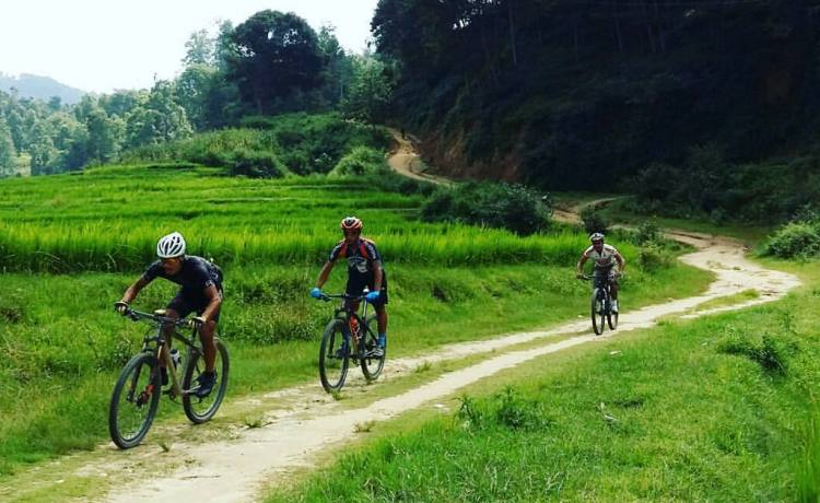 Hiking and Biking the Annapurna Circuit